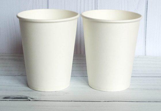 Бумажный стакан білий
