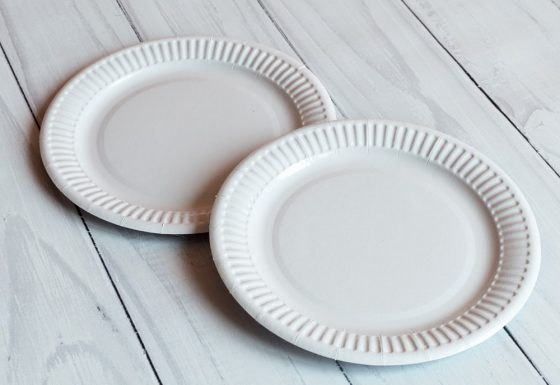 Тарелка 18 см белая