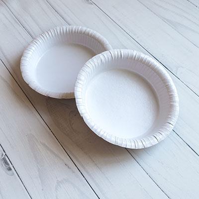 Бумажная миска для холодных и горячих блюд.